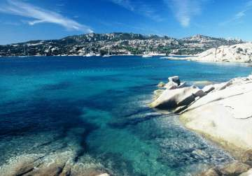 Sardinia: the blue colors of the sea and the sky merge together
