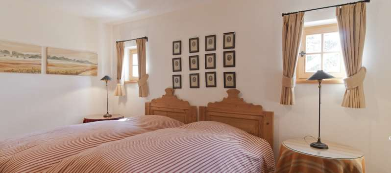 Twin Villa's classy twin bed double room