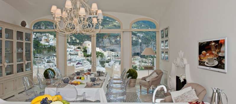 dining room with sea view from the villa in Positano