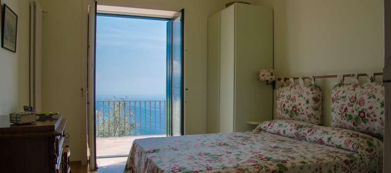 double room with sea view in the villa in Ravello
