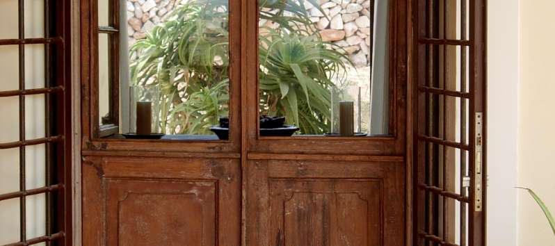 Villa Abir entrance door