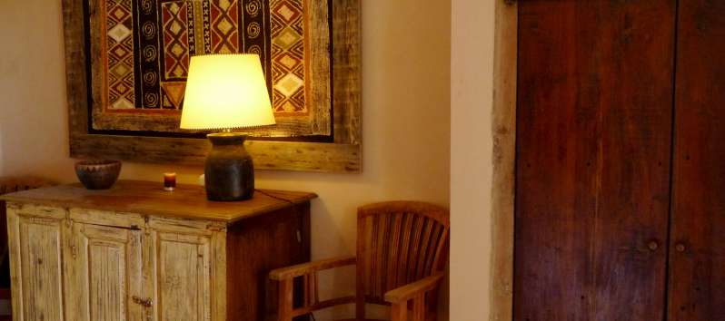 Villa Abir rustic furniture in the hallway