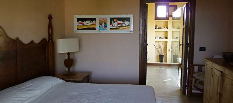 Villa Abir double room with en suite bathroom