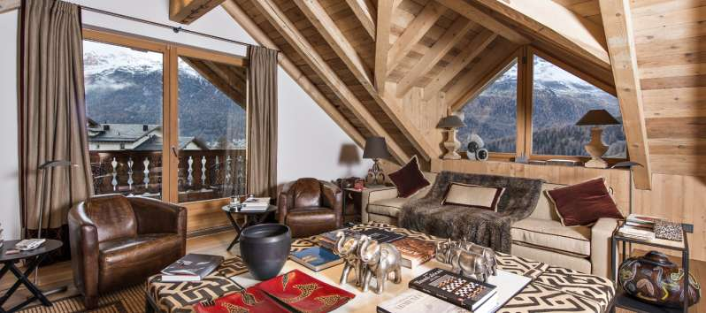 living room with panoramic view from the Chalet in Surlej
