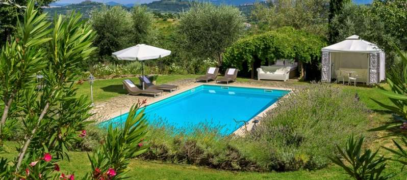 Villa mist beautiful property for rent for tuscany lovers wevillas for Villa park pasadena swimming pool