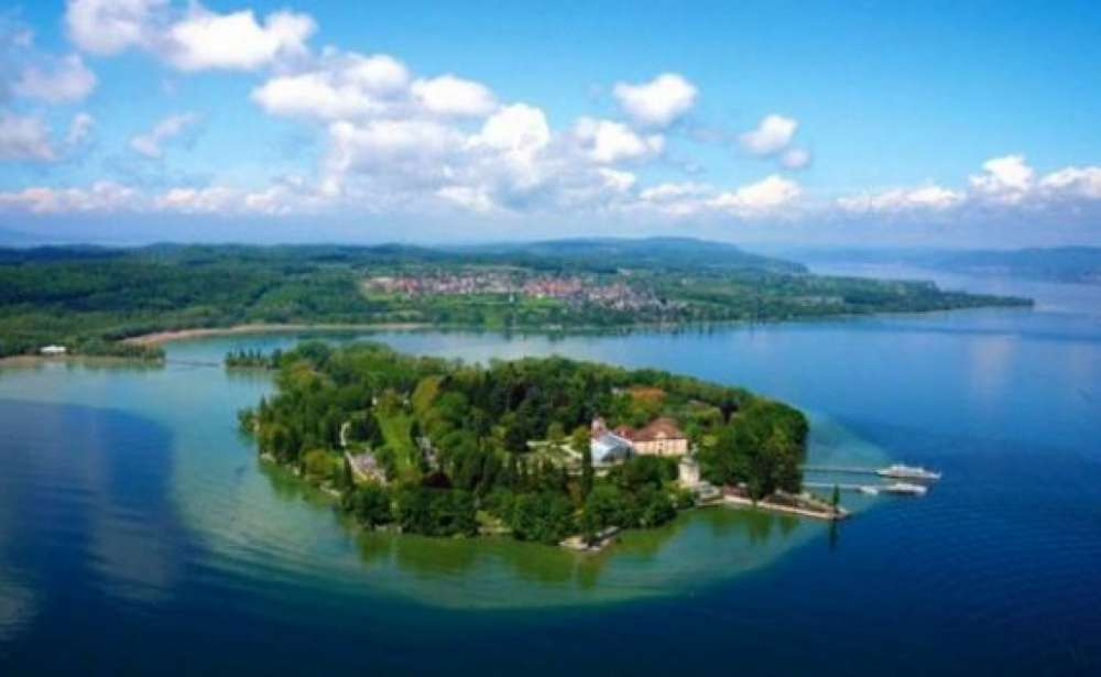 lake constance a natural paradise on the rhine river. Black Bedroom Furniture Sets. Home Design Ideas