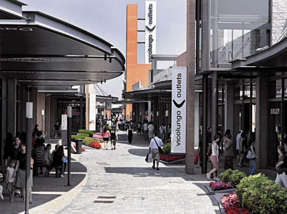 Vicolungo outlet shopping and entertainment between milan - Outlet del mobile torino ...