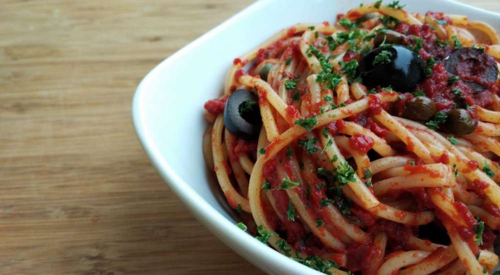 Italian recipes that you need to know: pasta alla puttanesca