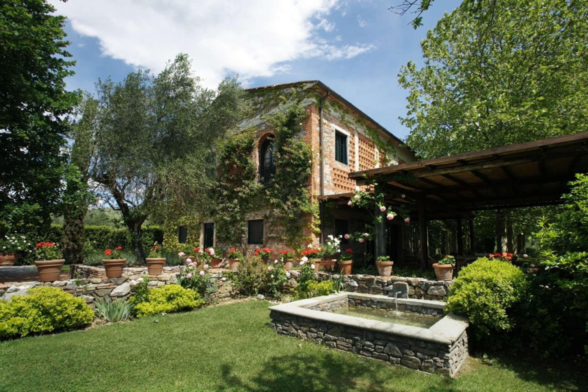 Villa ibisco beautiful house for rent in the secret heart for Tuscany villas