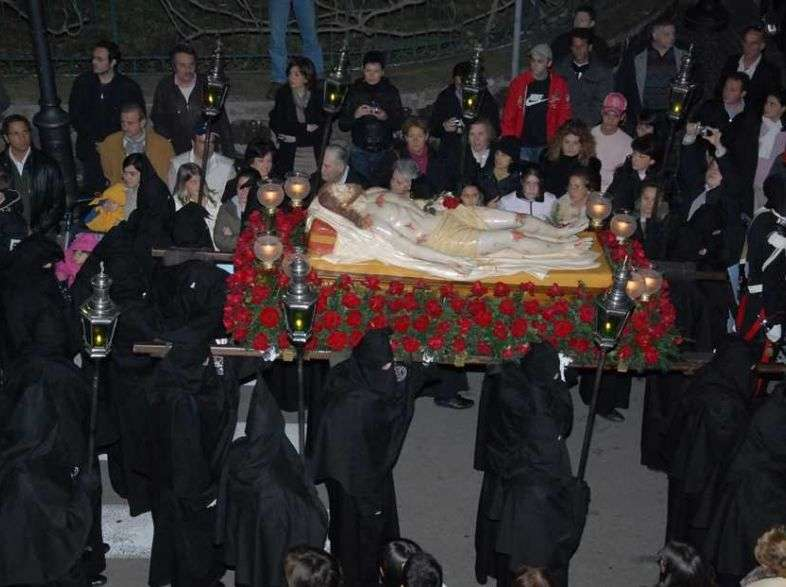The Easter tradition of Sorrento and the procession of the Dead Christ