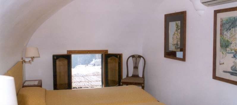 double bedroom in the apartment on the Amalfi Coast