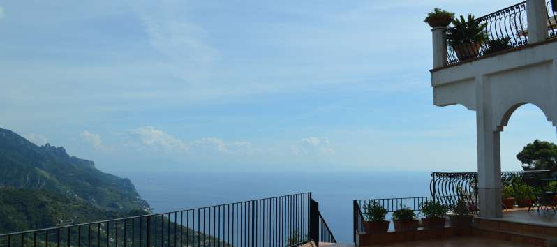 terrace with sea view in the villa with pool in Ravello