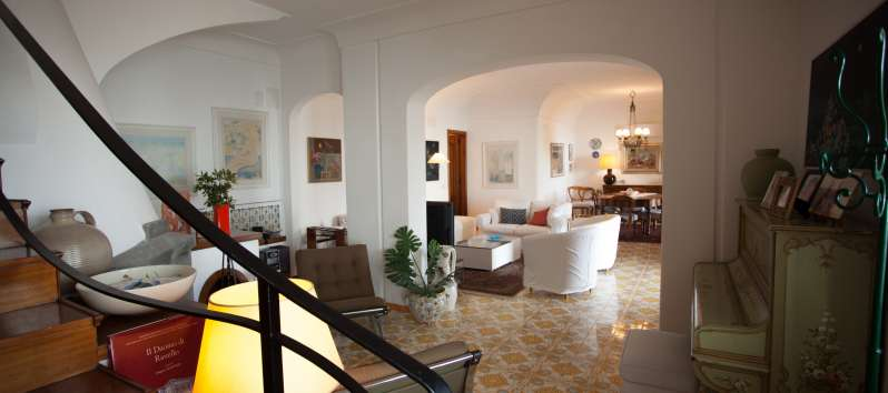 living room of the villa with swimming pool in Ravello