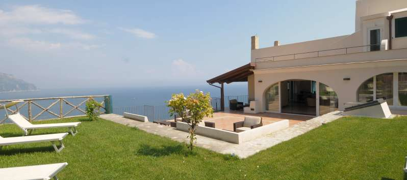 garden of the villa with sea view in Amalfi