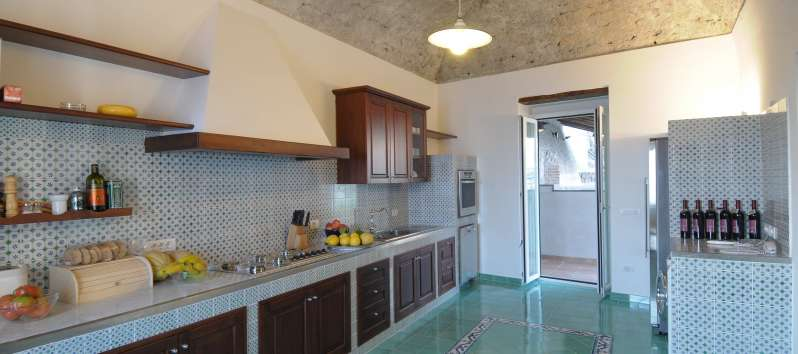 Villa Meridiana hand painted ceramic floors in the kitchen