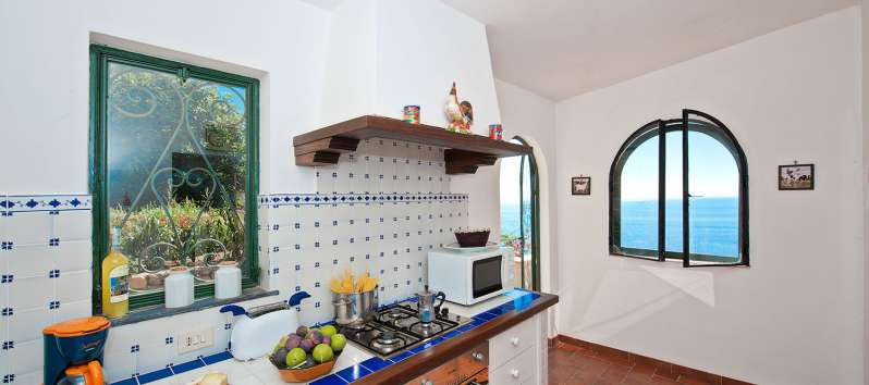 kitchen with stove in the villa in Positano