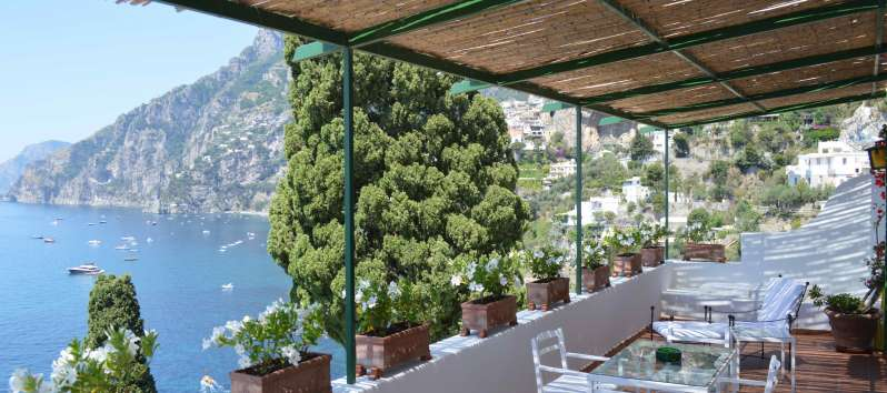 terrace with sea view in the villa with swimming pool on the Amalfi Coast