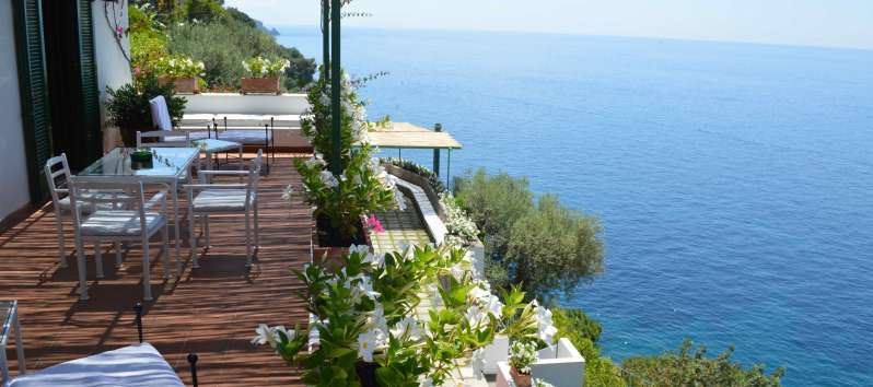 sea ​​view from the villa with swimming pool on the Amalfi Coast