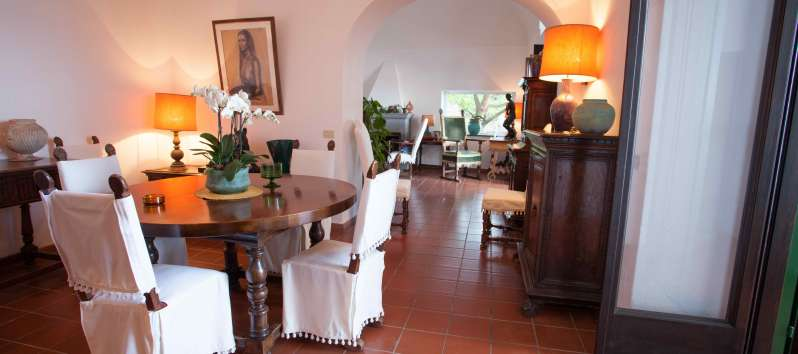 dining room in the villa with swimming pool on the Amalfi Coast