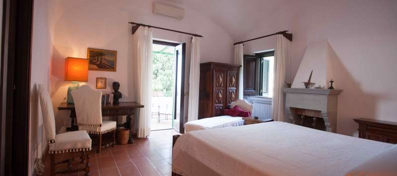 double bedroom in the villa with pool on the Amalfi Coast