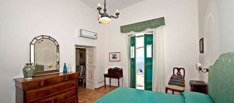double bedroom with terrace in the villa in Positano