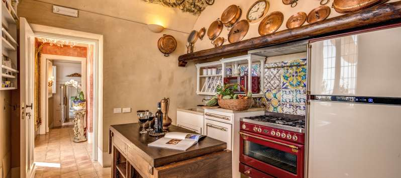 kitchen with stove in the villa with pool on the Amalfi Coast