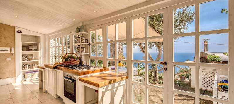 kitchen with sea view in the villa on the Amalfi Coast