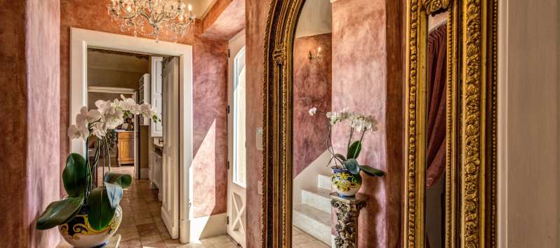 corridor with mirror in the villa with swimming pool on the Amalfi Coast