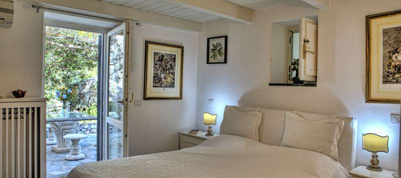 double room with sea view in the villa on the Amalfi Coast