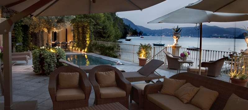 gazebo with sea view and swimming pool in the villa on Lake Como