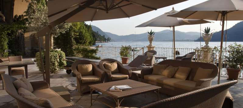 gazebo with lake view in the villa with swimming pool on Lake Como