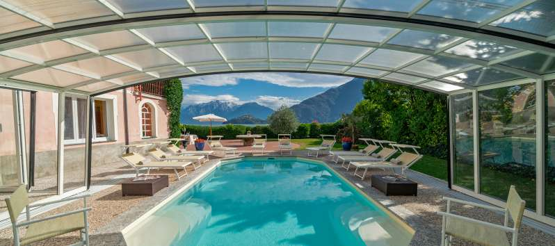 lounge of the villa with pool in Menaggio