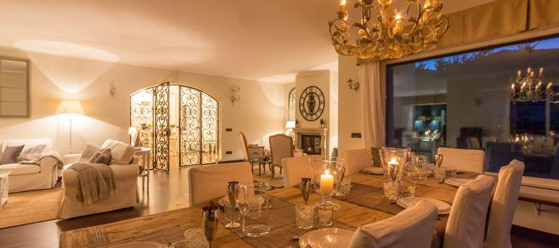 dining room of the villa with swimming pool in Como