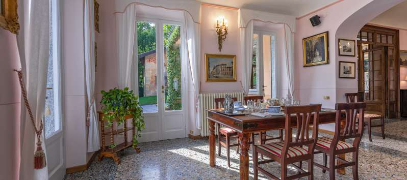 double room of the villa with pool in Menaggio