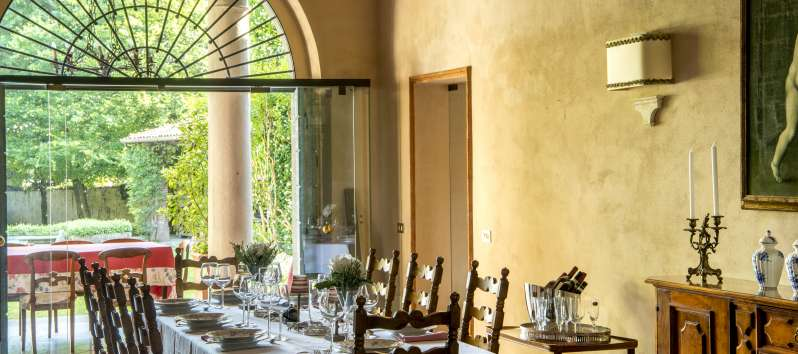 dining room of the villa in Bornato Franciacorta