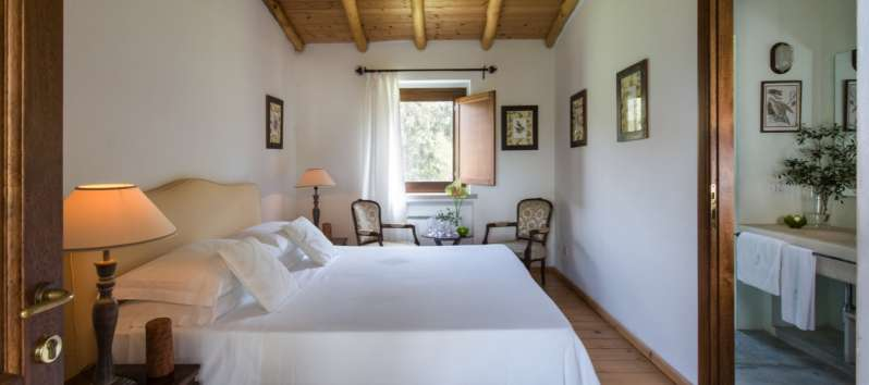 double bedroom in the villa with swimming pool in Sardinia
