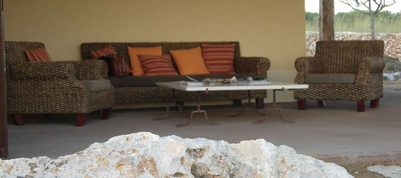 porch with sofa outside the villa on the island of Favignana