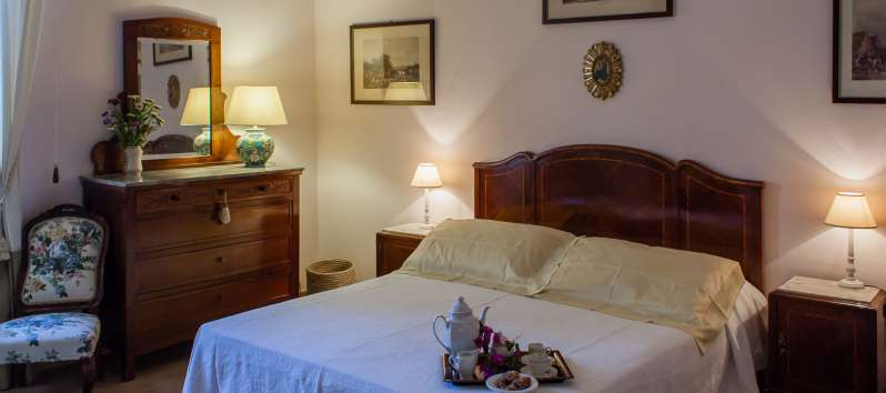 double bedroom in the villa with pool in Sicily