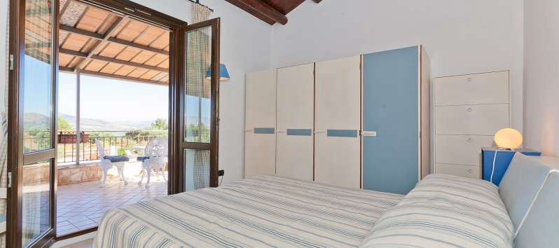double bedroom with terrace in the villa with pool in Castellammare del Golfo