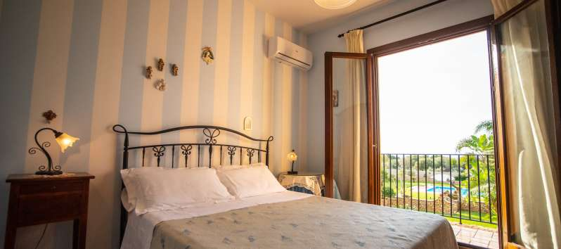 double bedroom in the villa with pool in Cinisi