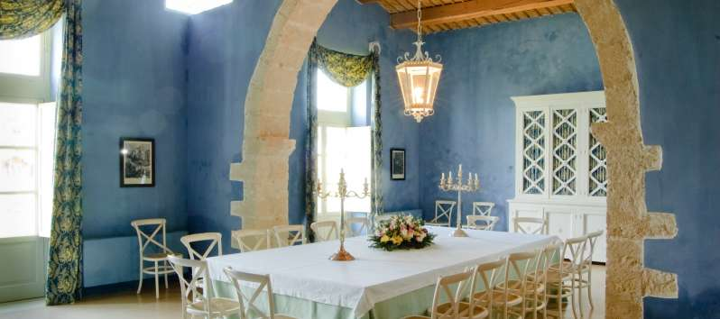 dining room in the villa in Sicily