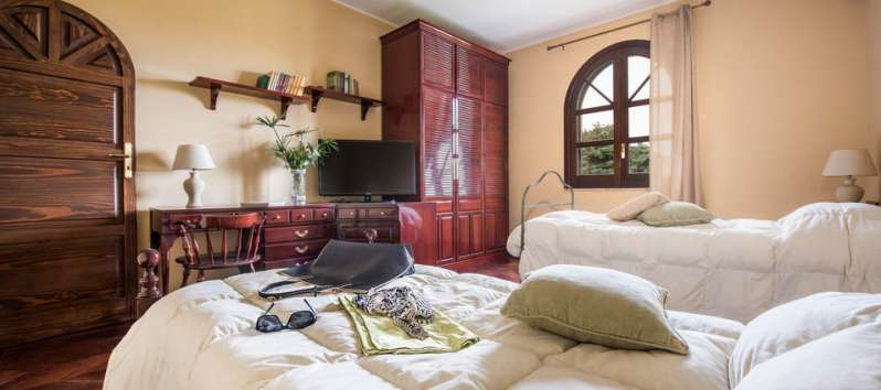 bedroom in the villa with pool in Palermo