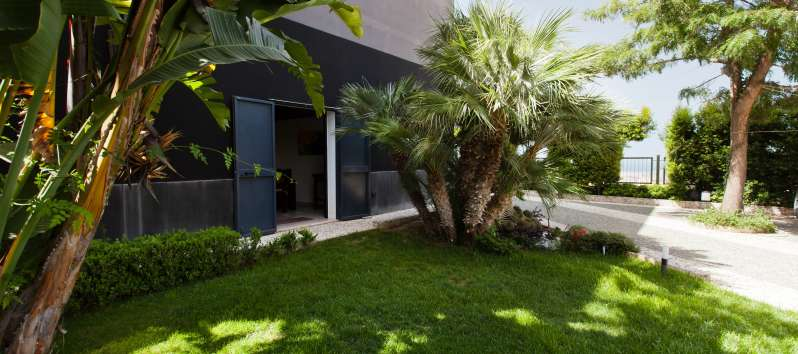 garden of the villa for rent