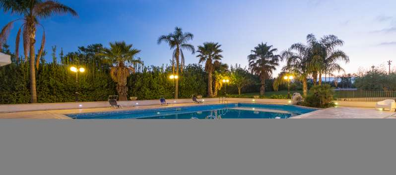 Elegant villa with swimming pool in Sicily
