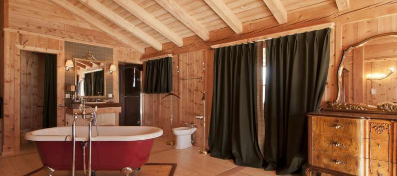 bathroom with bathtub in the villa in St. Moritz