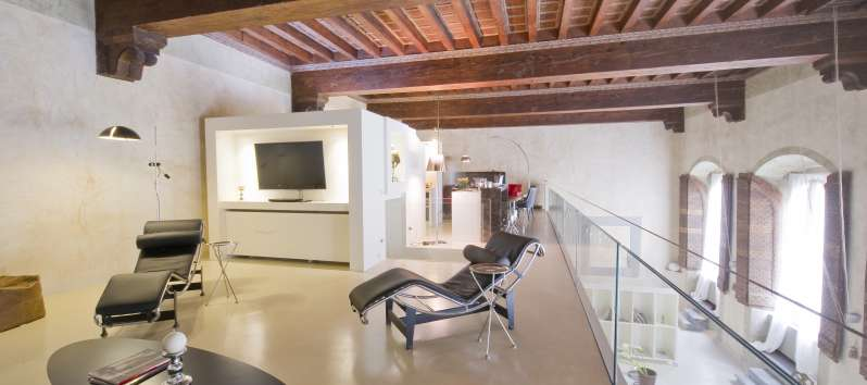 Appartamento Bianca mezzanine with TV and reading corner