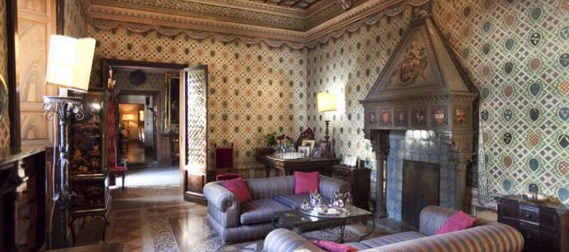 Castello Hedera sitting room with fireplace