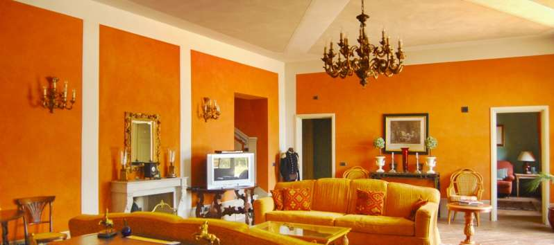 Villa Aurora sofas, fireplace, music system diffusion and  satellite TV