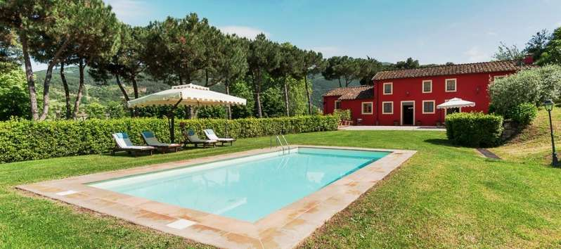 Villa Carlotta  pool in the lawn