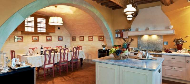 Villa Carlotta a great tuscan kitchen with dining room